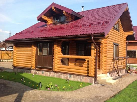 Дом из больших бревен фото