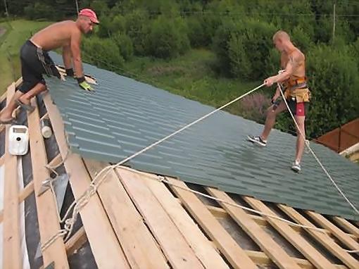 Установка на крыше дома своими руками